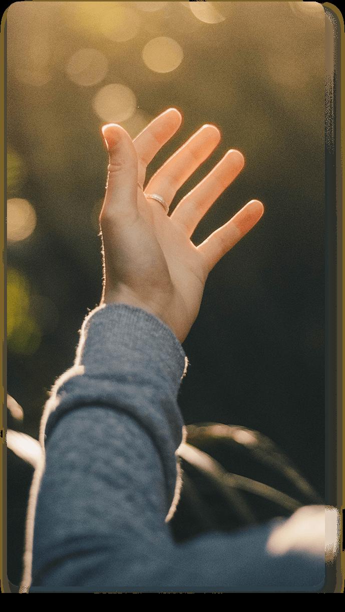 Tangan terangkat dalam penyembahan